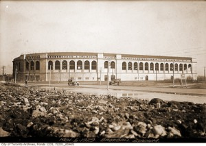 MapleLeafStadium-CTA-f1231-it0465