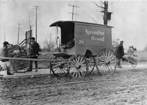 Nasmiths_Breadwagon_Earlscourt 1908 WikiCommons
