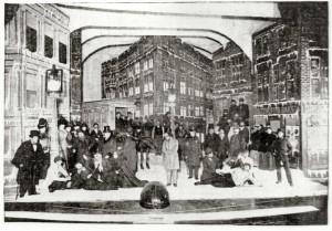 Jwsh-Ghetto-scene-Pples-Thtr-NY-1899-crtsy-Msm-of-Famly-Hstry-NY