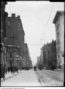 King east of Bay ca 1910, City of Toronto Archives